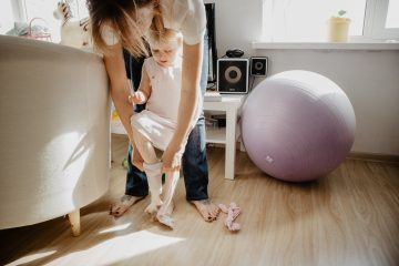 How To Be A Stay-At-Home-Mom and Save For Retirement At The Same Time