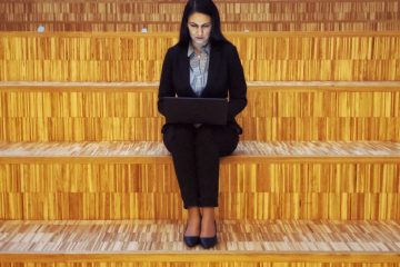Misguided Myths About Female Investors