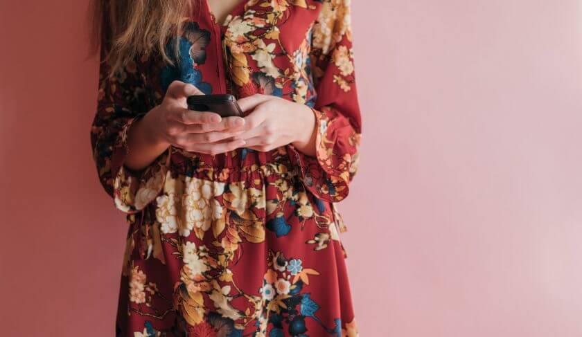 Facebook resale fashion phone