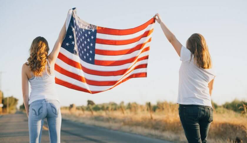 Women voters american flag