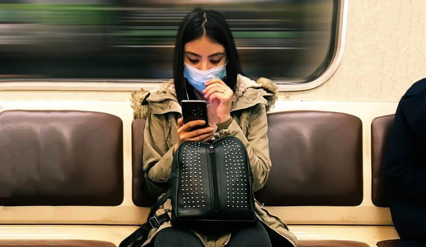 mask coronavirus subway train